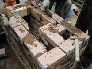 09 Отопительно-варочная печь из кирпича, бывшего в употреблении - сделана за один день