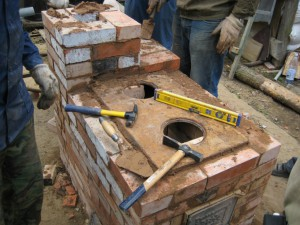 10 Отопительно-варочная печь из кирпича, бывшего в употреблении - сделана за один день