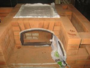Укладка негорючего теплоизолятора поверх перекрытия хлебной камеры, 024